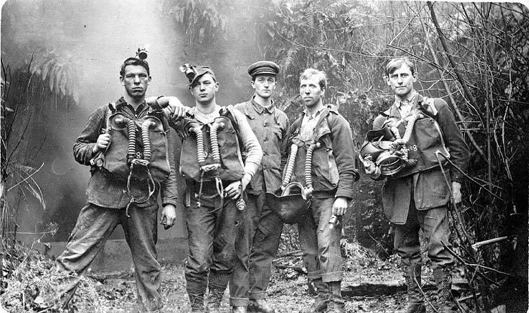 Файл:Американские горноспасатели 1914.jpg