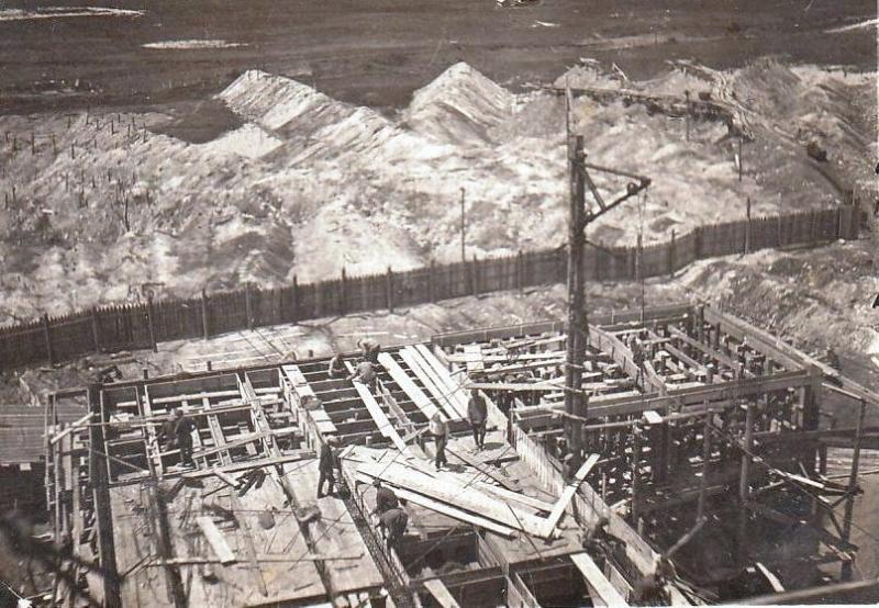 Файл:Строительство шахты 3-ц.jpg