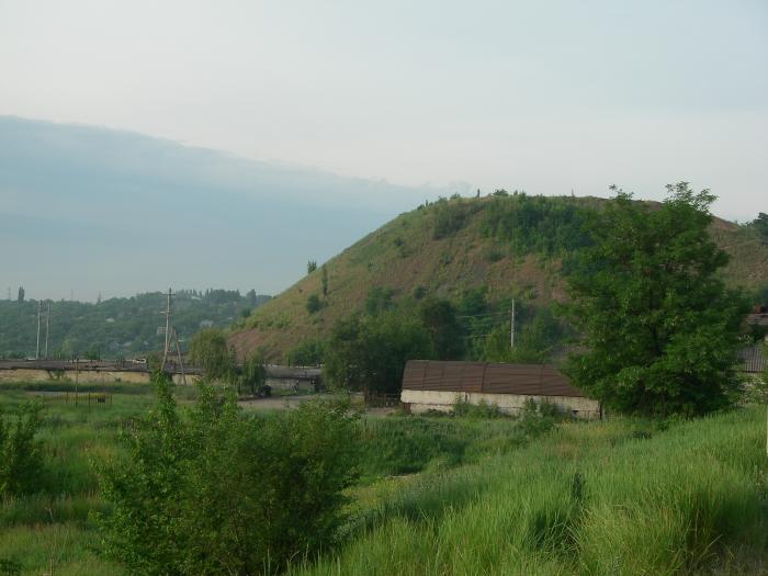 Файл:Террикон шахты Путиловская.jpg