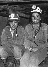 Файл:Women miners-10.jpg