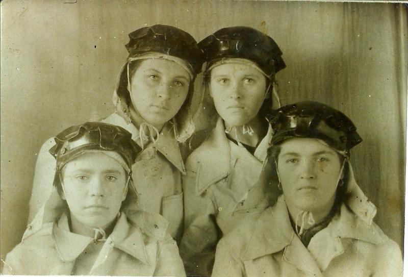Файл:Women miners-26.jpg