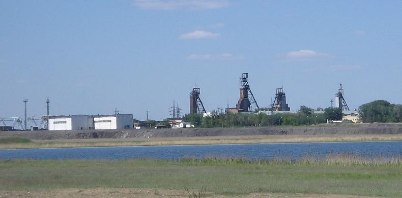 Файл:Ленина вид от города.JPG