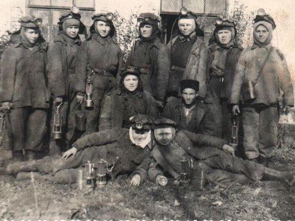 Файл:Women miners-62.jpg