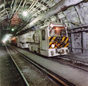 Файл:Рудничный локомотив.jpg