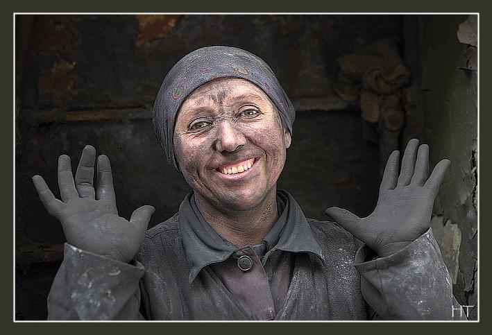 Файл:Women-miners.jpg
