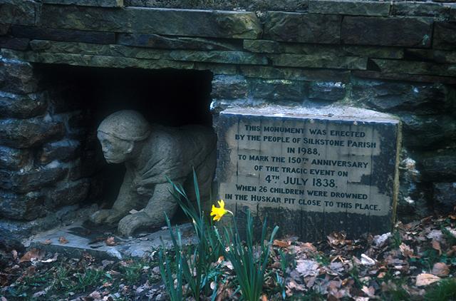 Файл:UK Miners Memorial-11.jpg