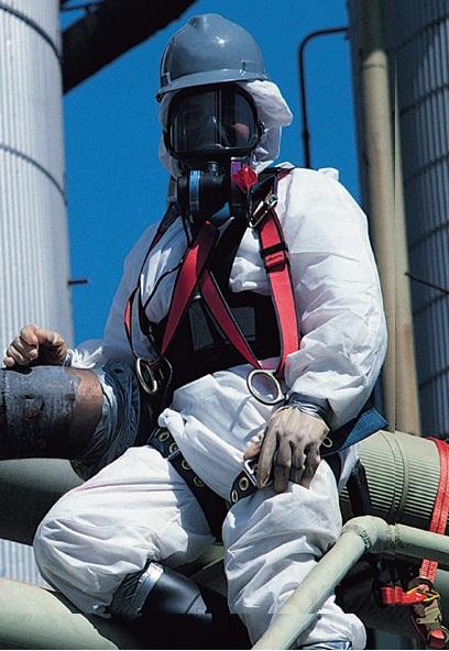 Файл:Фильтрующий респиратор с принудительной подачей воздуха под полнолицевую маску, вентилятор на маске.jpg