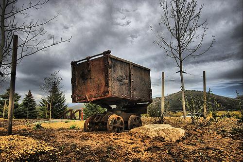 Файл:Old Mining Cart.jpg