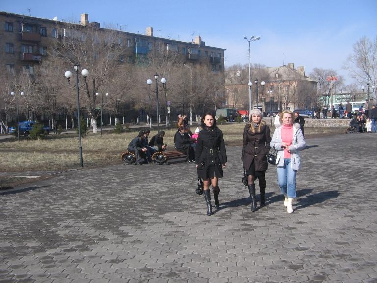 Файл:Весна, девушки.JPG