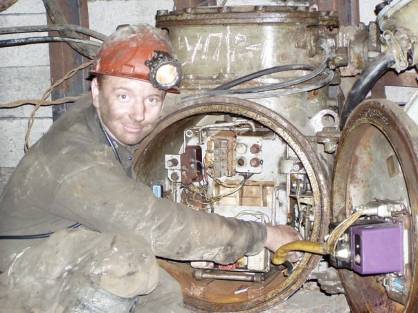Файл:Электрослесарь подземный-2.jpg