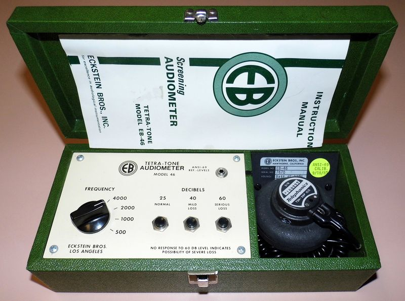 Файл:Vintage Eckstein Bros., Inc. Screening Audiometer, Tetra-Tone Model EB-46, Circa 1975 (16733399820).jpg