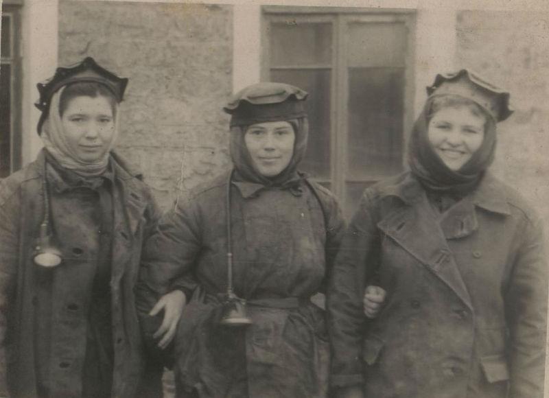 Файл:Women miners-70.jpg