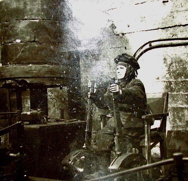 Файл:Машинистка подъема 1948.jpg