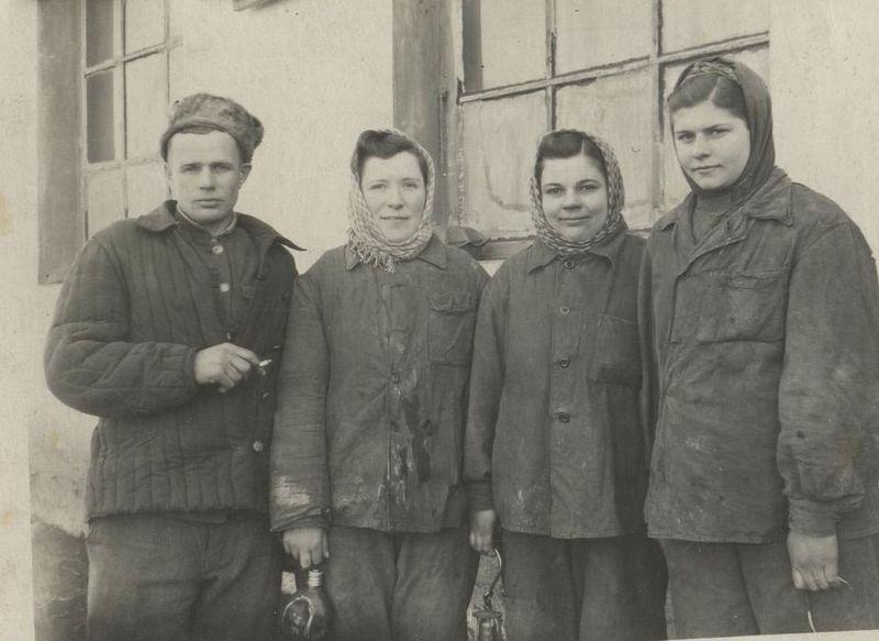 Файл:Women miners-71.jpg
