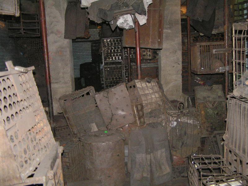 Файл:Рабочая баня шахты Баракова сентябрь 2007-3.JPG