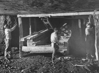 Gay Mining Co. Гилберт 1944