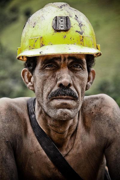Файл:Колумбийский шахтер.jpg