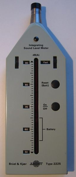 Файл:Integrating Sound Level Meter dB(A) Brüel Kjær 2225.jpg