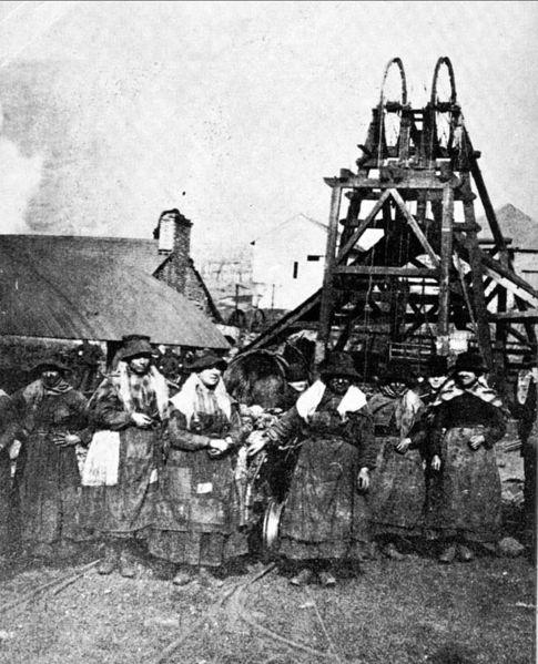 Файл:Women miners-3.jpg
