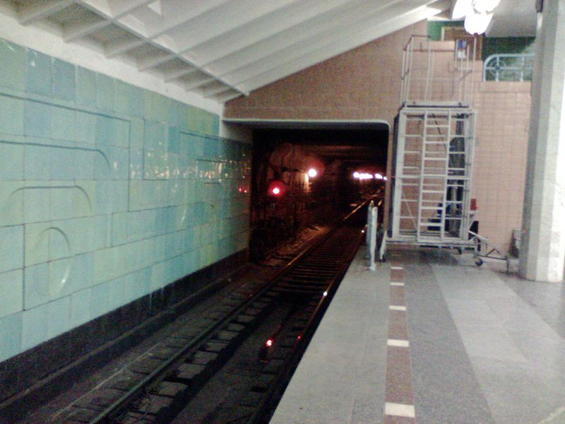 Файл:Tunnel station Metrostroiteley.jpg