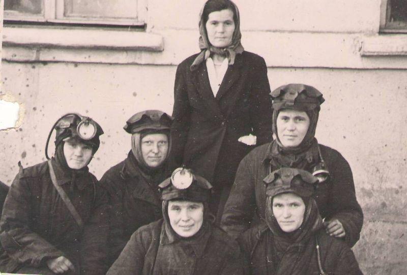 Файл:Women miners-47.jpg